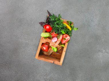 Тарелка овощная с зеленью